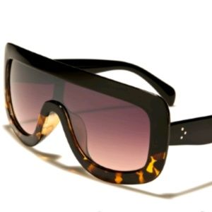 660c6c79ea05 Instagram  savage.shades s Closet ( savageshades)
